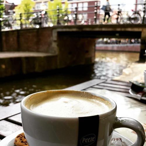 koffie-op-terras